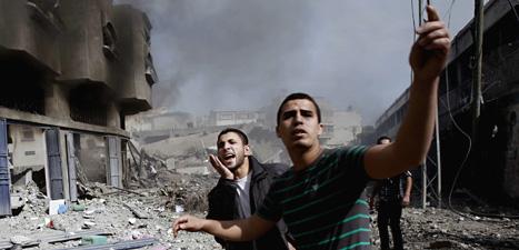 Många palestinier har dödats och skadats av bomberna från Israels stridsflygplan. Foto: Adel Hana/Scanpix.