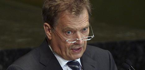 Finlands president Sauli Niinistö vill sänka sin lön. Foto: Seth Wenig/Scanpix.