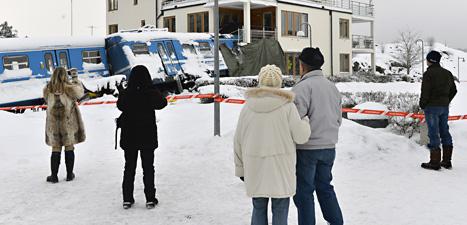 Tåget kraschade rakt in i ett hus. Foto: Anders Wiklund/Scanpix.