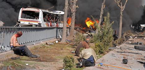 Många människor dödades av bomben i Syriens huvudstad Damaskus. Foto: AP/Scanpix.