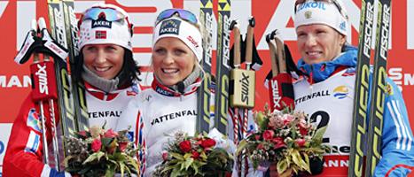 Therese Johaug vann damernas mil-lopp i skid-VM. Sveriges Charlotte Kalla blev utan medalj. Foto: Lise Åserud/Scanpix.
