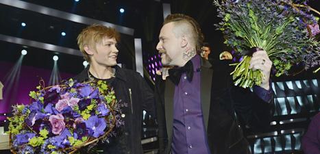 Ulrik Munther och Ralf Gyllenhammar firar segern. Foto: Jonas ekströmer7Scanpix.
