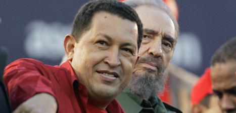 Hugo Chavez tillsammans med Kubas förre ledare Fidel Castro.  Foto: Roberto Candia/Scanpix.