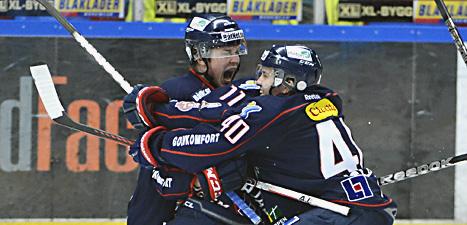 Linköpings spelare jublar över segern mot HV 71. Foto: Claudio Bresciani/Scanpix.