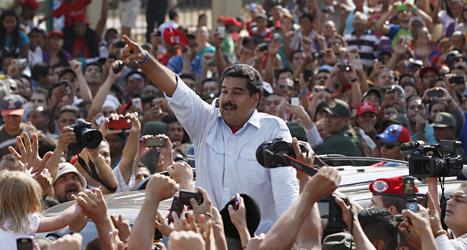 Nicolas Maduro talar på ett valmöte i Venezuela. Foto: Ariana Cubillos/Scanåix.