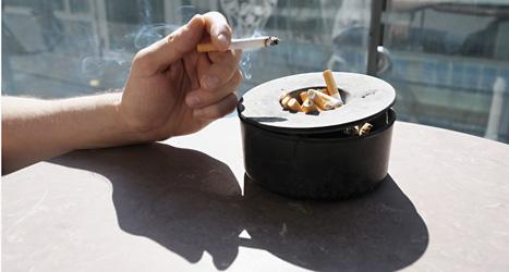 Allt färre unga röker, visar en ny undersökning. Foto: Lars Pehrsson/Scanpix.