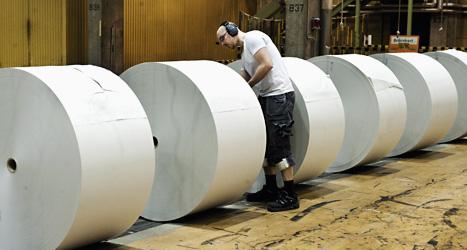 2500 anställda måste sluta på företaget Stora Enso. Bilden är från företagets pappersfabrik Hyltebruk. Foto: Lars Pehrson/Scanpix.
