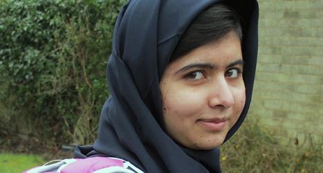 16-åriga Malala Yousafzai  pratar i FN-huset i New York. Foto: Malala Press/Scanpix