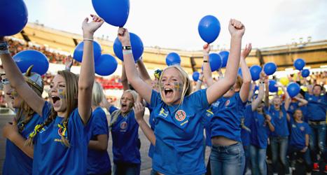 Glada ungdomar på invigningen av Gothia Cup i Göteborg. Foto: Adam Ihse/Scanpix.