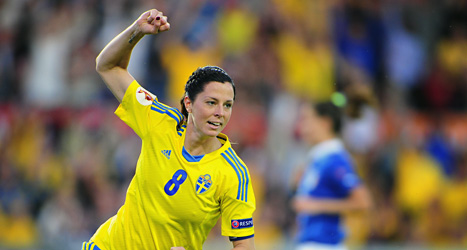 Lotta Schelin gjorde mål mot Italien. Sverige vann med 3-1.  Foto: Björn Lindgren/Scanpix.