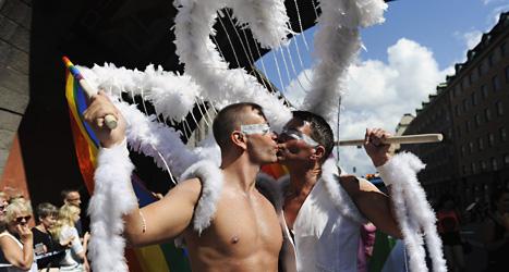 Allt fler människor kommer till Pridefestivalen i Stockholm. Foto. Erik Mårtensson/Scanpix.