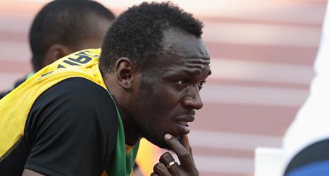 Usain Bolt laddar inför finalen på 100 meter. Foto: Ivan Sekretarev/Scanpix