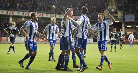IFK Göteborg hänger på Malmö FF i striden om SM-guldet i fotboll. Foto: Björn Larsson Rosvall/Scanpix.