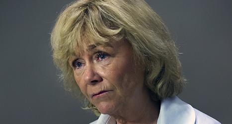 Sveriges justitieminister Beatrice Ask ber romerna om ursäkt. Foto: Jonas Ekströmer/Scanpix.