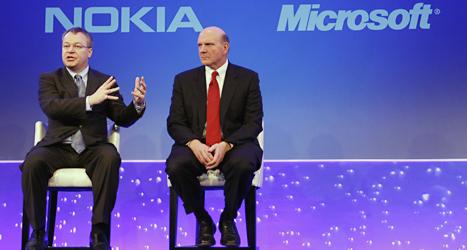 Nokias chef Stephen Elop och Microsofts chef Steve Ballmer. Foto: Alistair Grant/Scanpix.