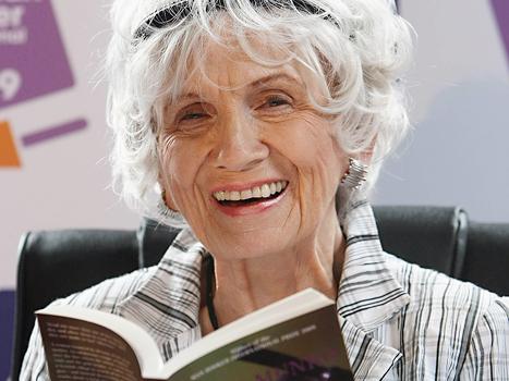 Alice Munro får Nobels författarpris. Foto: Peter Morrison /Scanpix