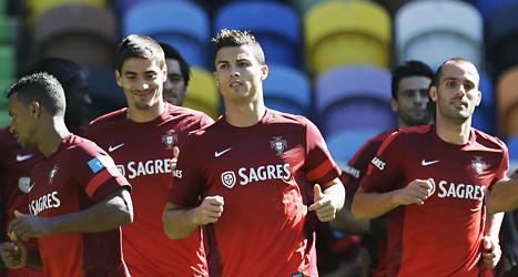 Cristiano Ronaldo och de andra stjärnorna i Portugal som blir Sveriges motståndare i sista kvalet till VM. Foto: Armando Franca /TT