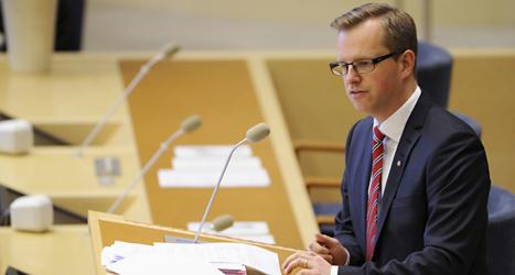 Mikael Damberg är socialdemokraternas ledare i riksdagen.  Han missade på torsdagen en viktig röstning i riksdagen. Foto: Erik Mårtensson/TT.