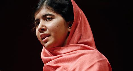 Malala Yosafzais bok blir förbjuden i Pakistans skolor. Foto: Jesica Rinaldi/TT.