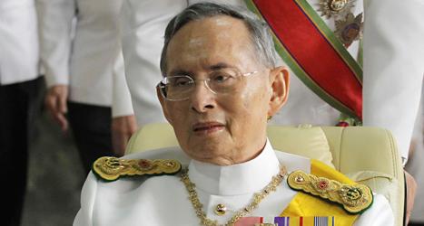 Thailands kund Bhumibol fyller 86 år i dag, torsdag. Foto: Apichart Weerawong/TT.