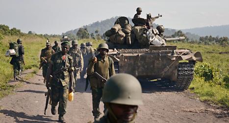 Regeringens soldater krigar mot många grupper av rebeller i landet Kongo. Foto: Joseph Kay/TT.