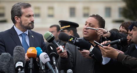Louay Safi pratar med Syriens regering om fred. Foto: Anja Niedringhaus /TT