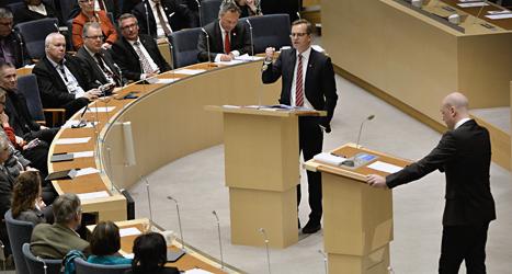 Socialdemokraternas Mikael Damberg debatterar med statsminister Fredrik Reinfeldt.Foto Anders Wiklund/TT