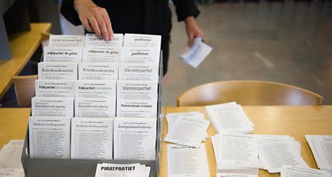 Så här kan det se ut i lokalen där du röstar. Foto: TT