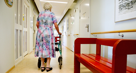 Företag äger nu de flesta hem för gamla. Förut ägde kommunerna de flesta hem för gamla. Foto: Jessica Gow /TT.