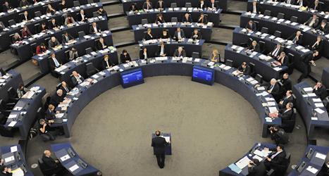 Över 700 politiker från olika länder bestämmer i Europaparlamentet. Foto: AP/TT.
