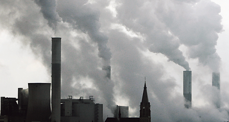 Farliga utsläpp som ändrar klimatet är en viktig fråga för EU. Foto: TT