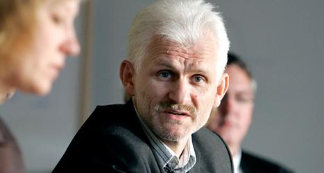 Ales Bjaljatski sitter i fängelse i Vitryssland och kan inte hämta sitt pris. Bilden är tagen innan han sattes i fängelse 2011. Foto: Pontus Lundahl/TT.