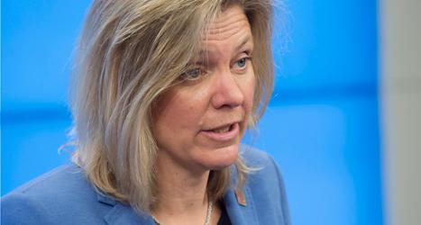 Socialdemokraten Magdalena Andersson gillar inte hur regeringen använder statens pengar. Foto: Fredrik Sandberg/TT.