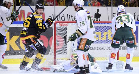 Skellefteå vann mot Färjestad. Foto: Robert Granström/TT.