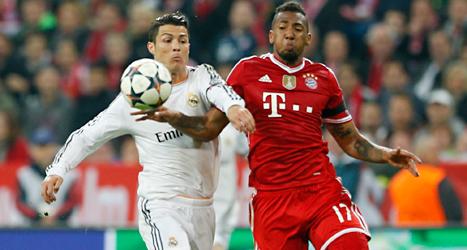 Cristiano Ronaldo i Real Madrid i kamp med David Alaba i Bayern München. Foto: Matthias Schrader /TT