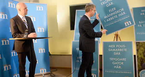 Fredrik Reinfeldt berättar om Moderaternas EU-politik. Foto: TT