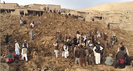 Flera hundra människor dog i ett jordras. Foto: Homayoon Rahman/TT.