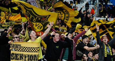 Det är fullt med folk på det tyska laget Borussia Dortmunds matcher. Foto: Claude Paris/TT.