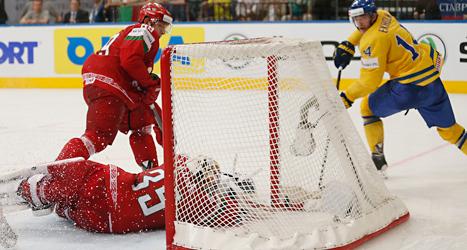 Mattias Ekholm gjorde det avgörande målet mot Vitryssland. Foto: Darko Bandic/TT.
