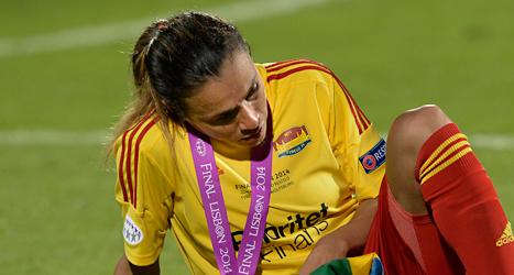Marta är en av spelarna som lämnar Tyresö. Här deppar hon efter förlusten i Champions League. Foto: Jonas Ekströmer /TT