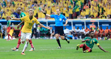 Neymar var fantastisk i matchen mot Kamerun. Han gjorde två mål och var bäst på plan. Foto: Bernat Amargue/TT.