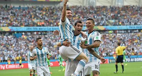 Leo Messi gjorde två mål när Argentina vann över Nigeria i VM. Foto: Martin Meissner/TT.