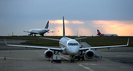 Flygföretagen slipper betala skatt på utsläpp. Det är dåligt, tycker organisationen OECD. Foto: TT