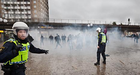 I december attackerade nazister en fredlig demonstration i Kärrtorp i Stockholm. Foto: TT