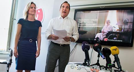 Socialdemokraterna Stefan Löfven och Magdalena Andersson berättar om det nya förslaget. Foto: Jonas Ekströmer /TT
