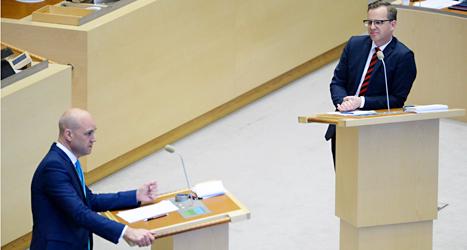 Politikerna i riksdagen pratar är olika bra på att prata lätt. Foto: TT