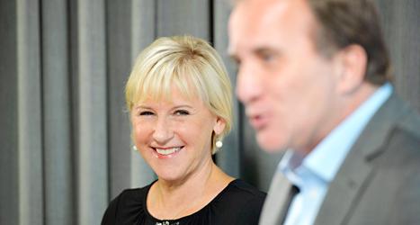 Margot Wallström börjar med politiken igen. Här är hon med Socialdemokraternas ledare Stefan Löfven. Foto: Henrik Montgomery/TT