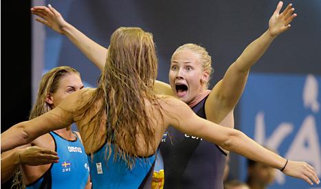 Louse Hansson jublar när det är klart att Sverige vunnit guld i EM. Foto: Michel Sohn /TT