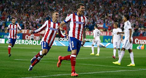 Atlético Madrid från spanien är ett av världens bästa fotbollslag. Nu får fotbollspubliken i Malmö se Atlético spela mot Malmö FF. Foto: Ariel Schalit/TT.