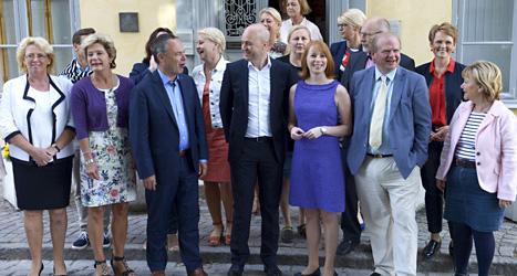 Statsminister Fredrik Reinfeldt och andra ministrar. Efter valet kanske de måste sluta i regeringen. Foto: TT